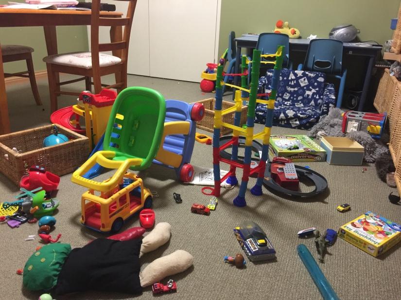 messy-playroom